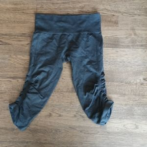 Lululemon In The Flow Crops size 6 Green